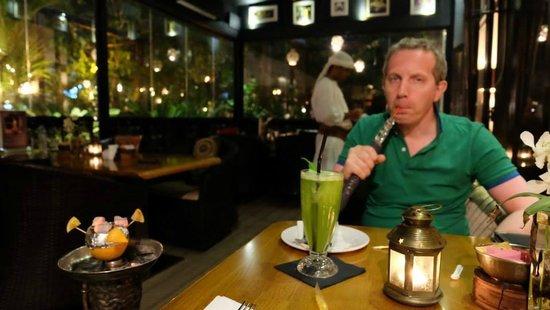 Kargeen Restaurant : Лимон и мята - фирменный сок + кальян