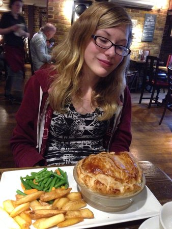 St. George's Tavern: Chicken pie