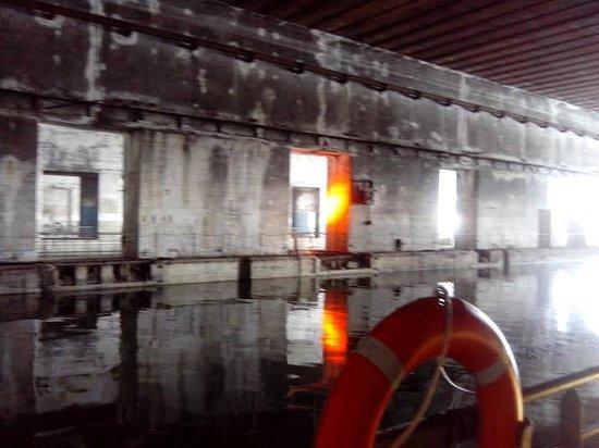 Base Sous-Marine de Bordeaux : Dique interior