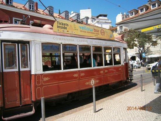 Tram 28: Tram Tour of Lisbon