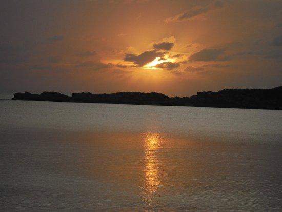 Fernandez Bay Village: sunset