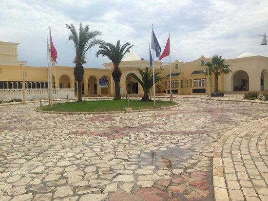 Medina Belisaire & Thalasso: Front of hotel