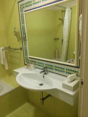 Tui Sensimar Atlantic Palace: Bathroom