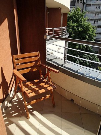 Fraser Residence Budapest: terras of suite 306