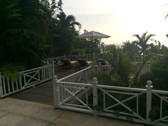 Round Hill Hotel & Villas : Our patio