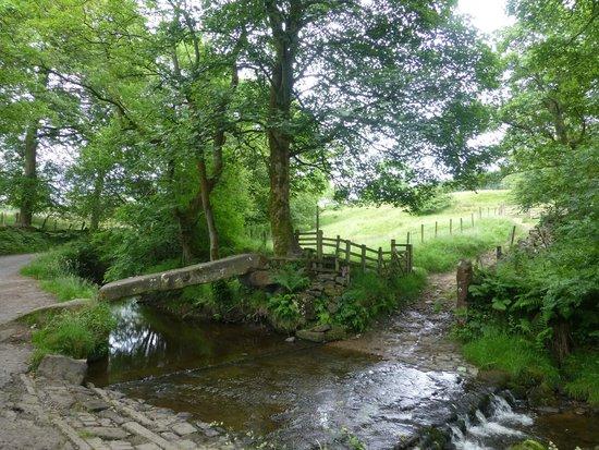 Wycoller Village & Country Park: Clam Bridge