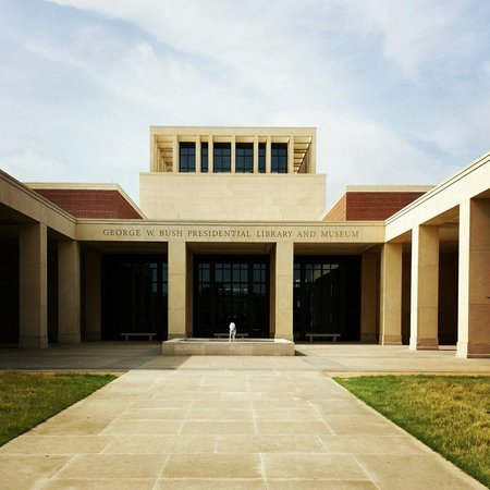 The George W. Bush Presidential Library and Museum: Outside of museum