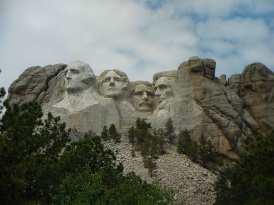Mount Rushmore National Memorial: Monument