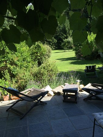 la bageatiere : View from the patio