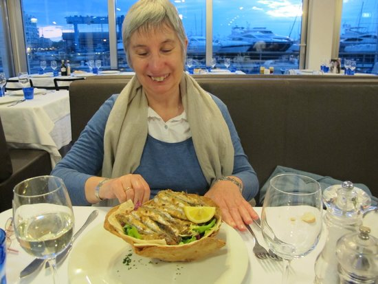 Club Nautico : Thinking that sardines on salad should have been a small dish at the price!