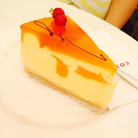 Fingerlos: Mango cake, taste good