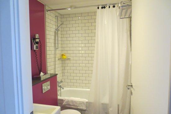 Andersen Boutique Hotel: Bathroom Room 97