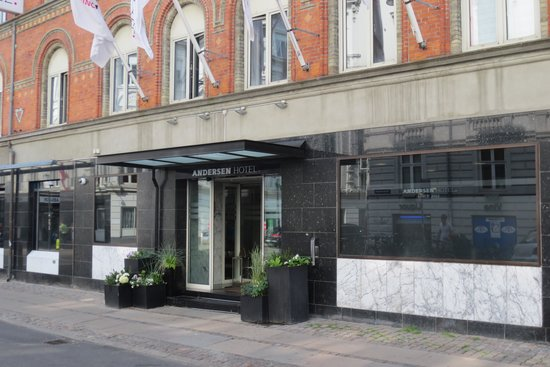 Andersen Boutique Hotel: The hotel entrance