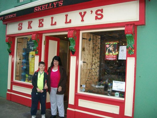 Skelly's Guesthouse: High Street Entrance at Skelly's