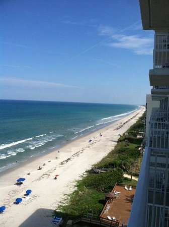 Radisson Suite Hotel Oceanfront : Beach