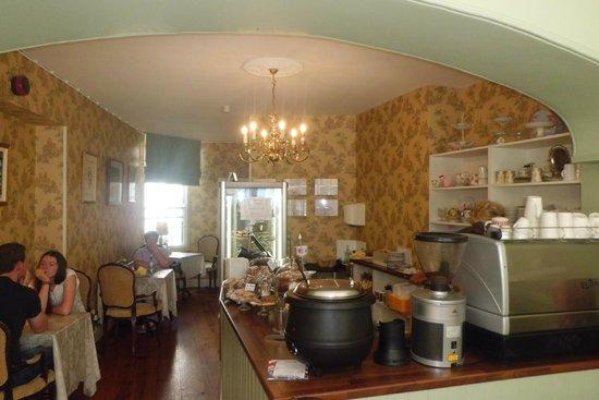 Gray's Tea Rooms Strabane: Interior.