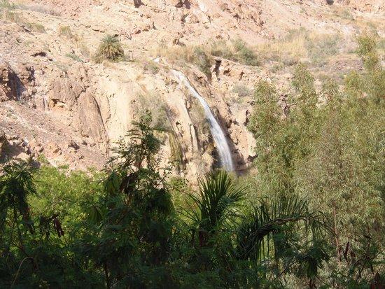 Ma'In Hot Springs : Blick vom Zimmer auf den öffentlichen Wasserfall