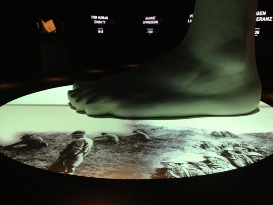 International Red Cross and Red Crescent Museum: Giant foot