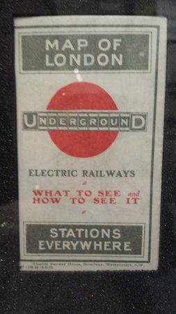 London Transport Museum: Un poster sulla TUBE londinese