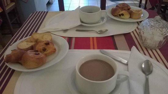 Saint-Martin-de-Bromes, Γαλλία: colazione