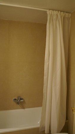 Hotel Ultonia Girona: душ