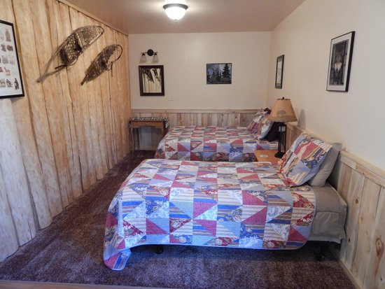 Homestead Guest Cabins: Bedroom #2 in Cabin #3 (twin and double bed)