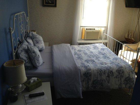 Mountain Treasure Bed and Breakfast: Bedroom
