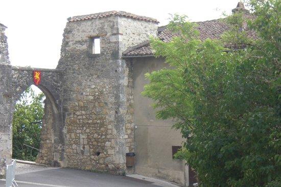 Cite medievale de Perouges: Entrée de la Tour du Prince