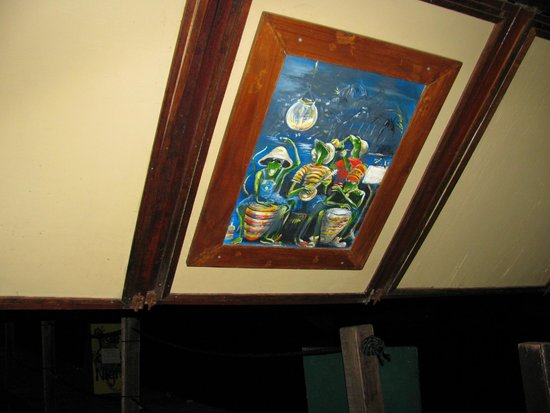Rainforest Hideaway: Artwork over our table