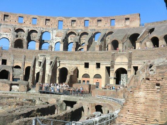 Колизей: Внутренний вид Колизея