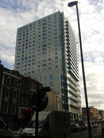 City Of London - Zen Apartments: Edificio donde está el apartamento