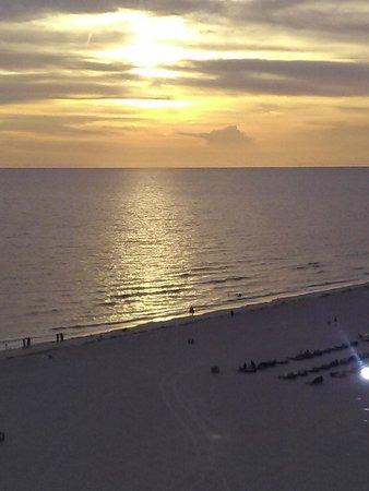Grand Plaza Beachfront Resort Hotel & Conference Center: sunset