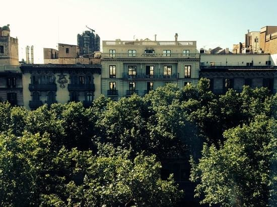 Hotel Indigo Barcelona - Plaza Catalunya: view from our window.