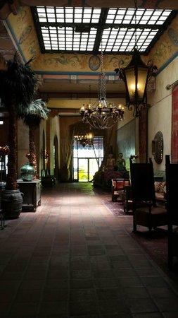 Hotel Figueroa: Figueroa lobby