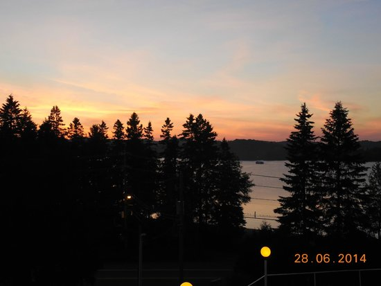Auberge Hotel Spa Watel: Vue magnifique au coucher de soleil.
