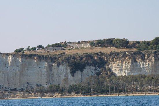 Riserva Naturale Orientata Foce del Fiume Platani: La città antica Minoa Eraclea con il teatro greco, il bosco ed il mare