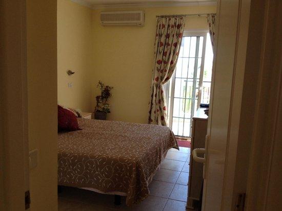 Granada Park Apartments: Bedroom