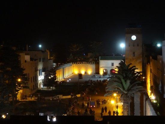 Essaouira Wind Palace : Vue de la terrasse de nuit