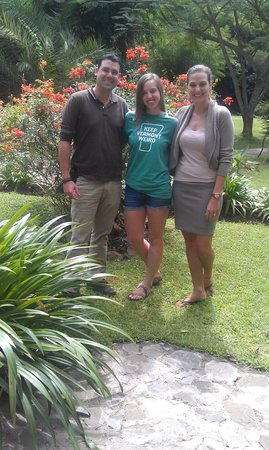 Arumeru River Lodge: Yannick, Kylie Fitch, and Diana