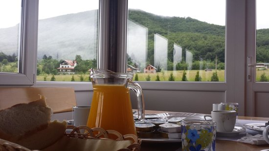 House Perisic: Breakfast on the indoor terrace