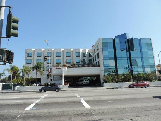 Best Western Plus Suites Hotel: Modernes Hotel