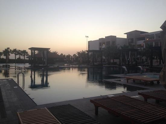 Hotel Riu Palace Tikida Agadir: The pool at dusk