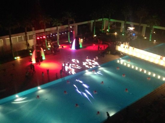 Kervansaray Hotel Kundu: Pool Party