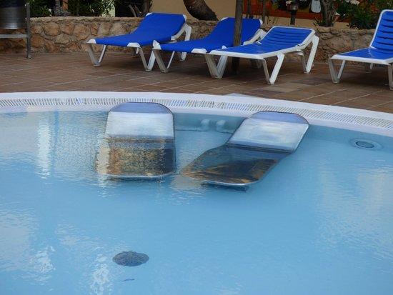 Ereza Dorado Suites Hotel : le Jaccuzzi