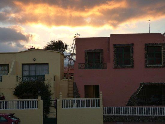 Ereza Dorado Suites Hotel : Vue du balcon le soir