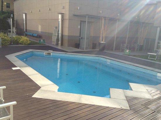 Together Florence Inn: La très petite piscine