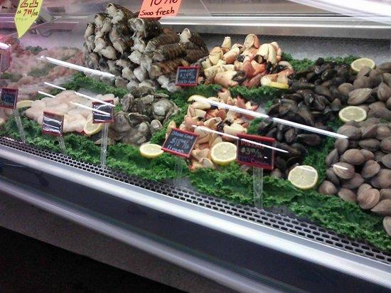 Seafood picture of detwilers farm market sarasota for Fish market sarasota