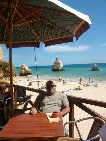 Praia de Alvor : toamndo un cafetito con estas vistas impagable esto laastima pille lejos de casa