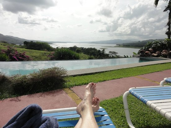 La Mansion Inn Arenal Hotel : Great view from the pool...