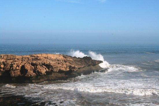 Riad Mimouna : Vue sur mer de la chambre